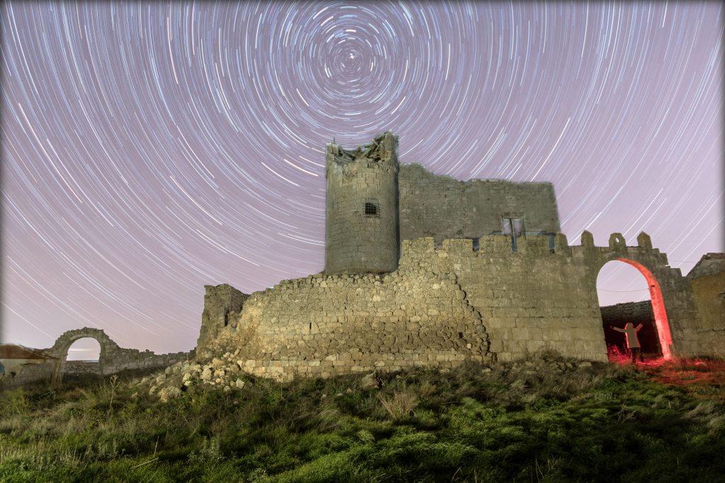 Circumpolar en un castillo en ruinas